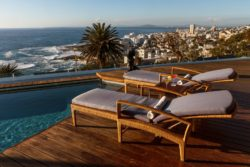 Ellerman House V1_Pool_Liegen